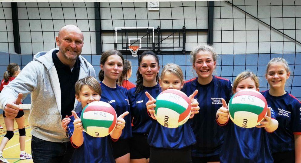Die Volleyballmannschaft der Hellweg-Realschule